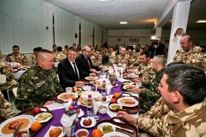 """Romanian President visits Battalion """"Posada"""" ready for Afghan mission"""