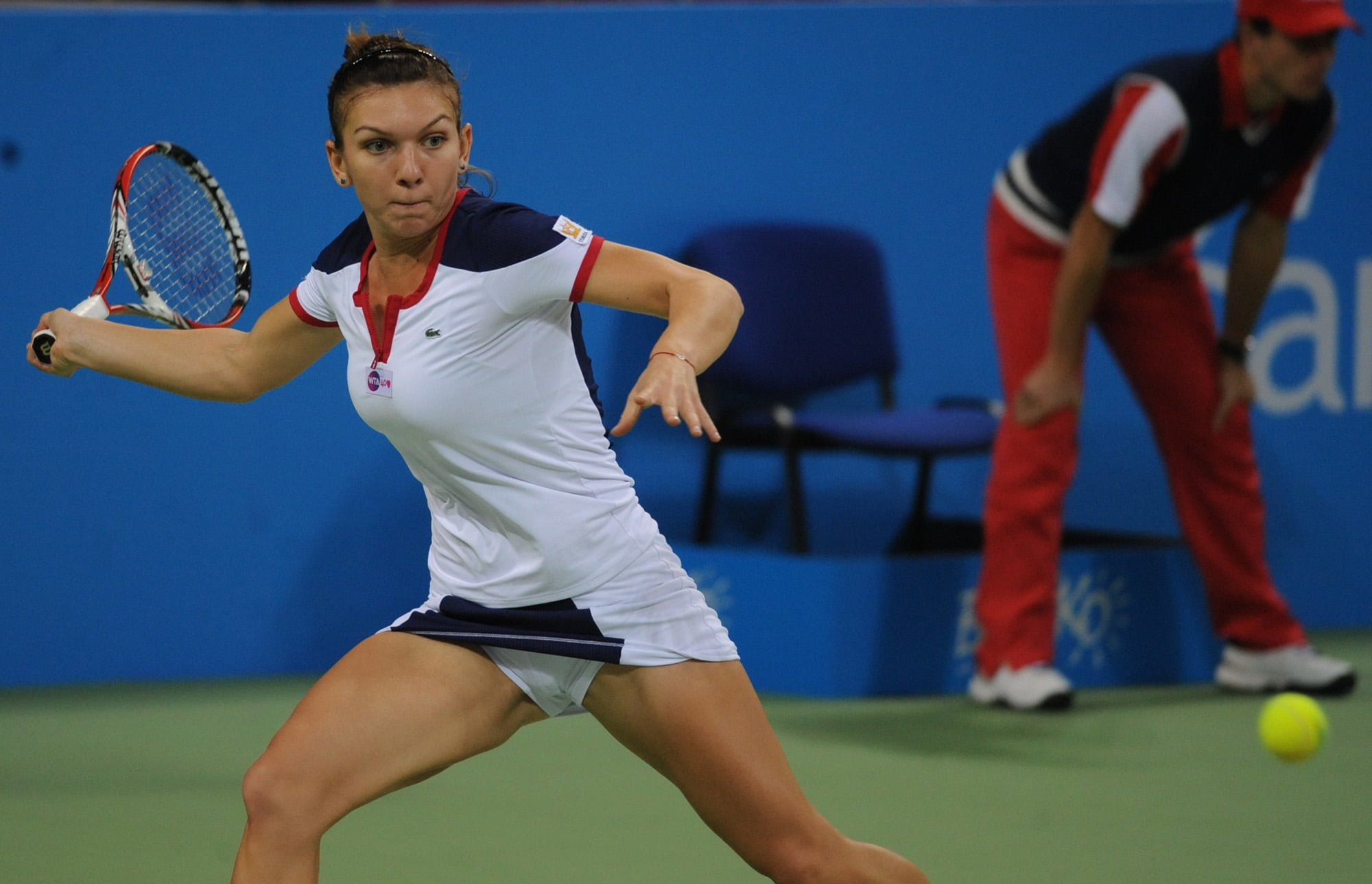 Simona Halep: Tennis player who had breast reduction ...