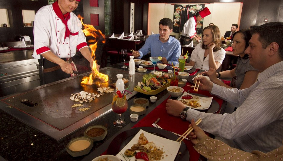benihana restaurant and customers His concept of bringing the chefs out from the back of the kitchen to prepare the food in front of customers on a  largest benihana restaurant located in.